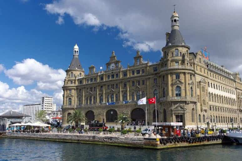 View of the Haydarpasa Gari in Kadiköy, asiatic side of Istanbul, from the Bhosporus Straits.