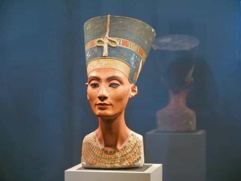 Famous bust of Queen Nefertiti