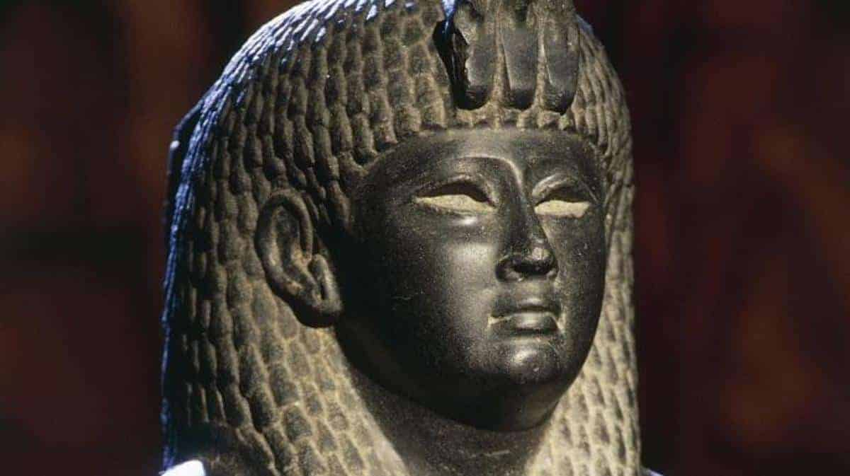 Queen Cleopatra - Photo Credit History.com