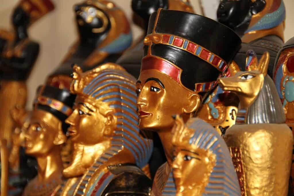 Local Bazaars for shopping experiences in Egypt